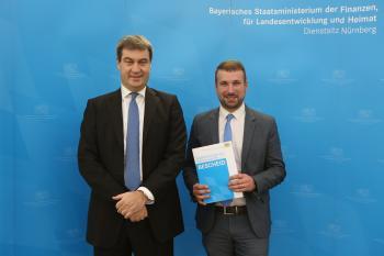 Übergabe der Stabilisierungshilfen im vergangenen Jahr im Heimatministerium in Nürnberg