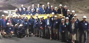 Das Gruppenfoto entstand mehrere hundert Meter tief im Bergwerk Merkers, eines der Programmhöhepunkte des Deutsch-Französischen-Austauschprogramms.