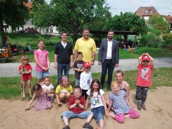 Auch am zentralen Spielplatz in den Schonunger Bachgärten tummelten sich viele Kinder
