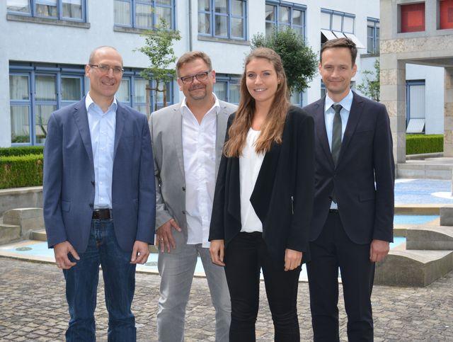 Wirtschaftsförderer und Konversionsmanager Frank Deubner, ÖPNV-Beauftragter Michael Graber, Theresa Wunderlich und Landrat Florian Töpper. (LRA SW, Baumann)