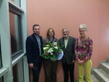 Das Foto zeigt von links Bürgermeister Stefan Rottmann, Jacqueline Hartmann, Altbürgermeister Kilian Hartmann und die neue Präsidentin des Alban-Kreis Hanne Schumm
