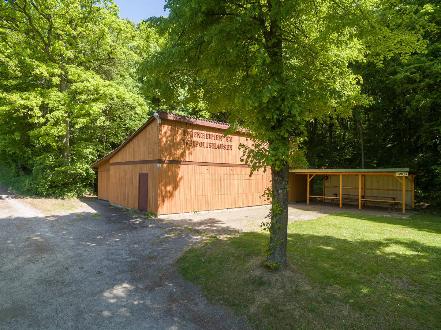 Vereinshütte Eigenheimer e. V. Weipoltshausen.jpg