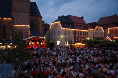 Weinfest in Frankens größter Weinstube in Gerolzhofen.jpg