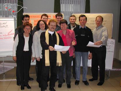 Einiger Teilnehmer des Workshops mit Claudia Rahlf in der Bildmitte